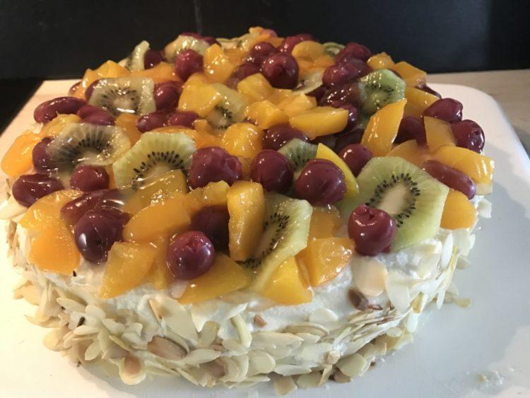 Sahne-Obst-Torte